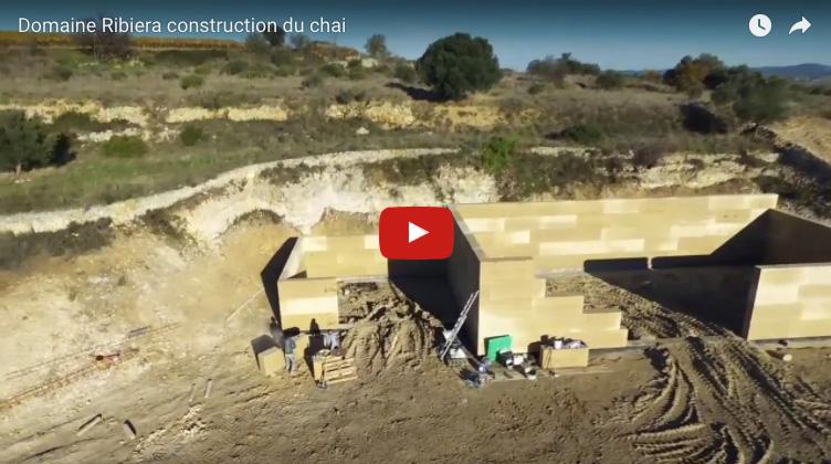 Construction du nouveau chai en pierre du Gard